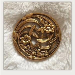 Vintage Art Nouveau Pin Circle Floral Reed Motif